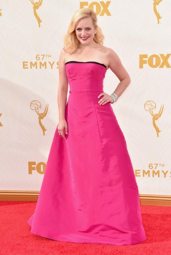 WTFSG_Elisabeth-Moss-2015-Emmys-Oscar-de-la-Renta-Dress