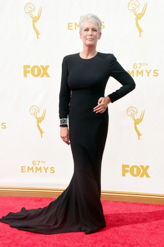 WTFSG_Jamie-Lee-Curtis-2015-Emmys-Black-Dress