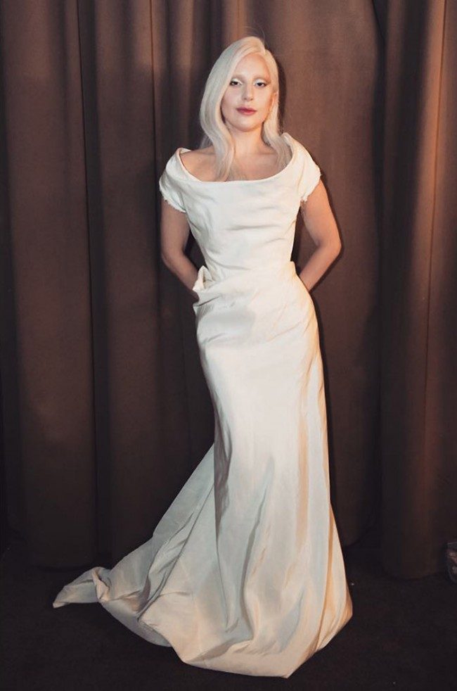 WTFSG_Lady-Gaga-HFPA-Grants-Banquet-2015-Vivienne-Westwood-White-Dress