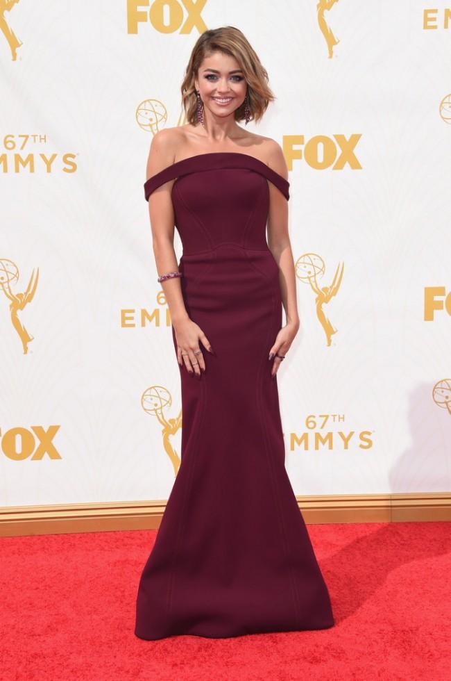 WTFSG_Sarah-Hyland-Emmys-2015-Zac-Posen-Dress