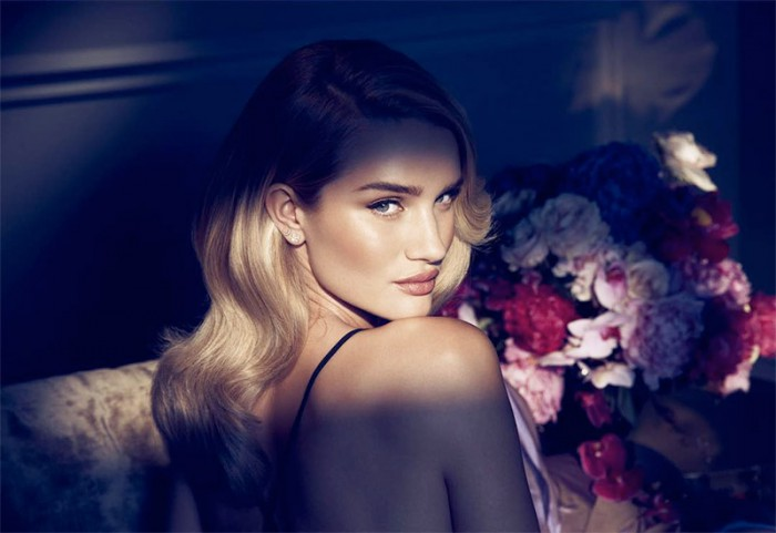 WTFSG_rosie-huntington-whiteley-nuit-autograph-fragrance_1