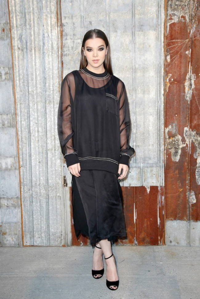 WTFSG_star-style-givenchy-spring-2016-fashion-show_Hailee-Steinfeld