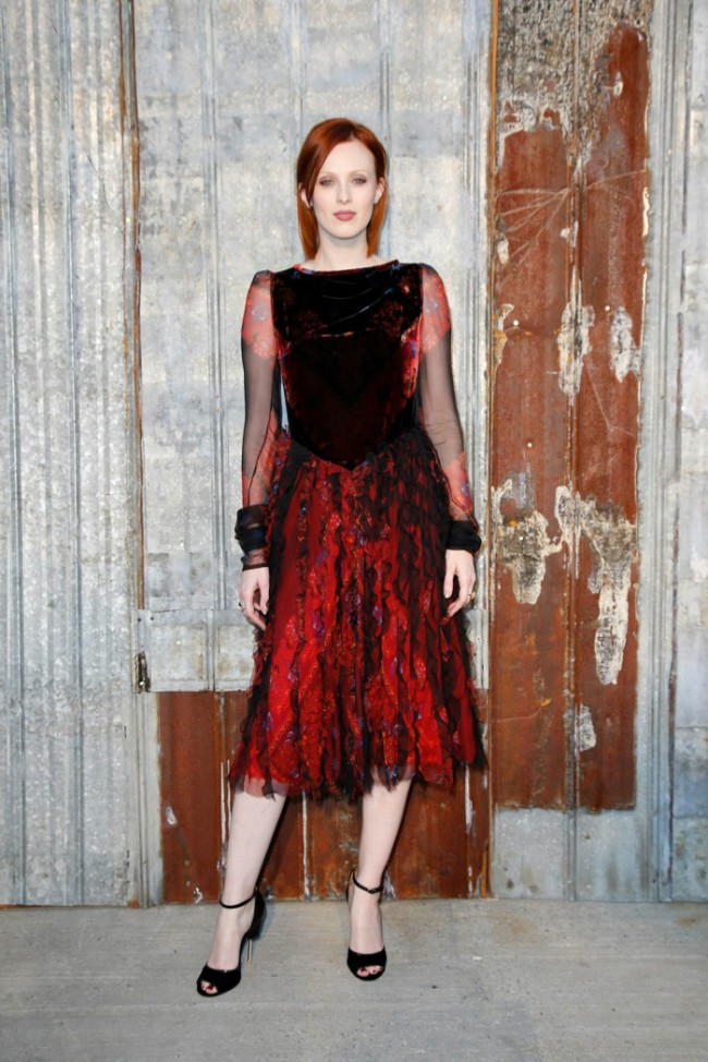 WTFSG_star-style-givenchy-spring-2016-fashion-show_Karen-Elson
