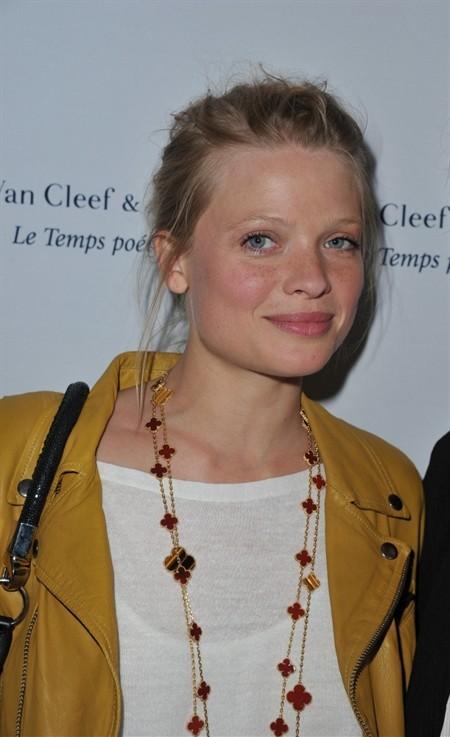 WTFSG_van-cleef-arpels-place-vendome-store-opening_Melanie-Thierry