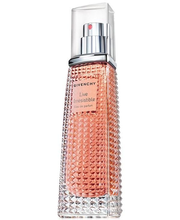 WTFSG_amanda-seyfried-givenchy-live-irresistible-fragrance_3