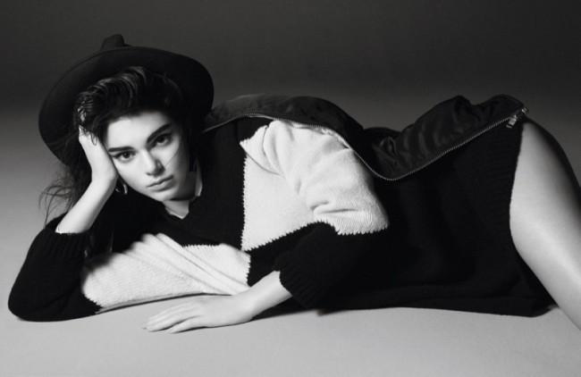 WTFSG_Kendall-Jenner-Vogue-Paris-October-2015-Editorial_9