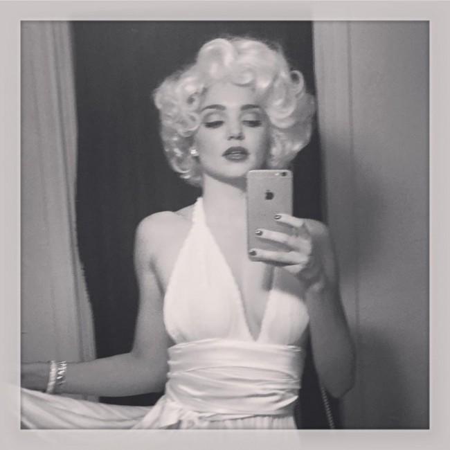 WTFSG_Miranda-Kerr-Marilyn-Monroe-Costume