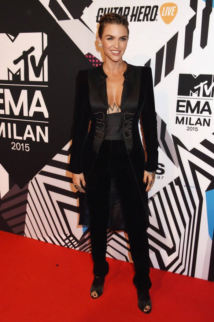 WTFSG_Ruby-Rose-MTV-EMA-2015-Red-Carpet-Armani-Prive