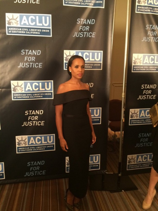 WTFSG_kerry-washington-boss-black-dress-aclu-dinner-2015_2