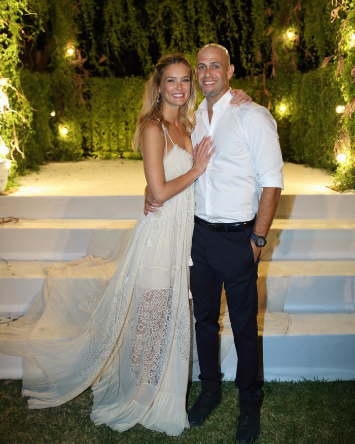 WTFSG_Bar-Refaeli-Chloe-Wedding-Dress