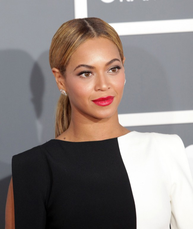 WTFSG_Beyonce-Blonde-Low-Ponytail-Hairstyle