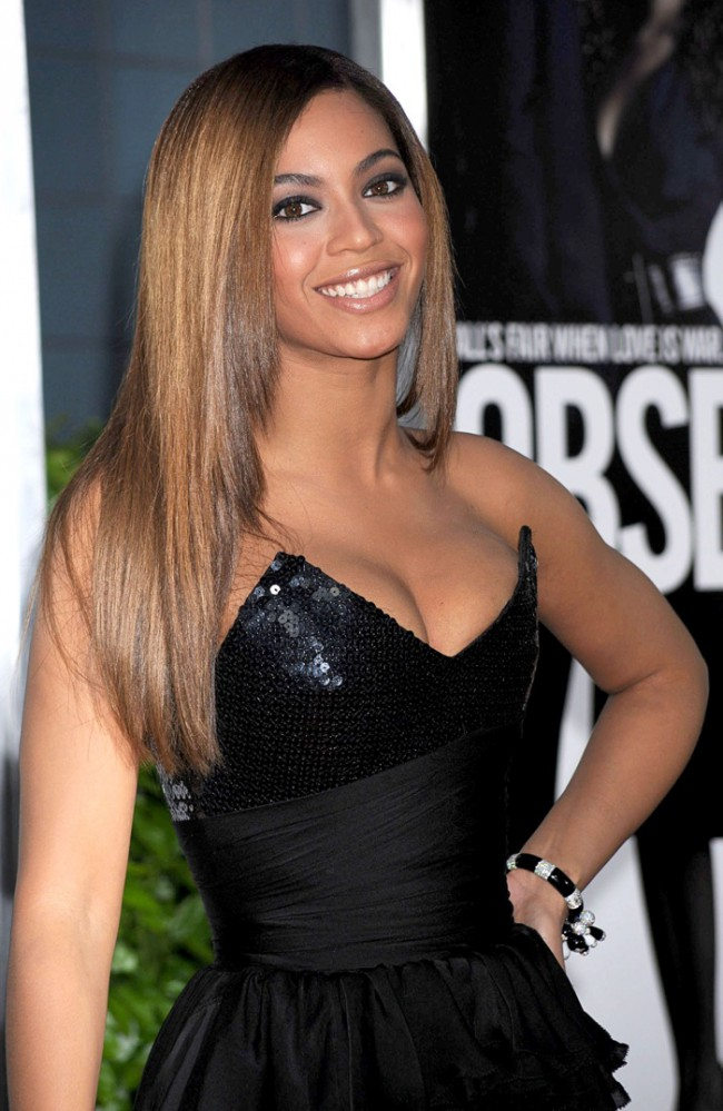 WTFSG_Beyonce-Honey-Blonde-Straight-Hairstyle
