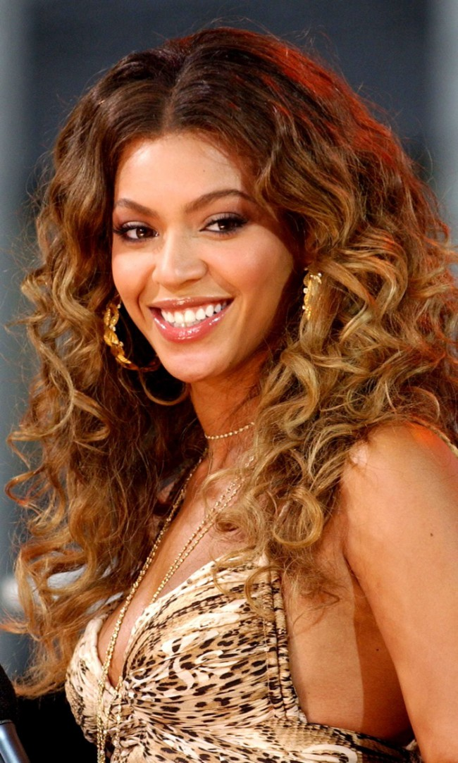 WTFSG_Beyonce-Wavy-Ombre-Hair
