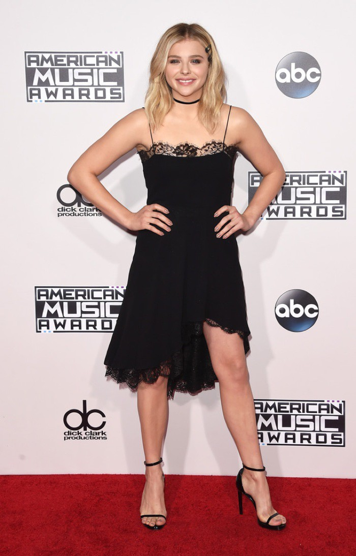 WTFSG_Chloe-Grace-Moretz-2015-American-Music-Awards-Black-Dress