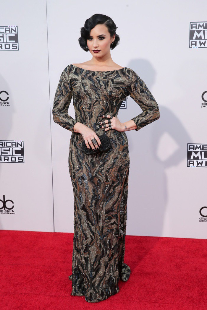 WTFSG_Demi-Lovato-2015-American-Music-Awards-Lorena-Sarbu-Dress