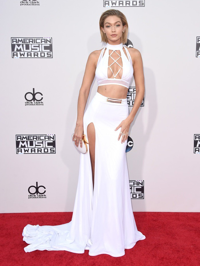 WTFSG_Gigi-Hadid-2015-American-Music-Awards-Bao-Tranchi-White-Outfit