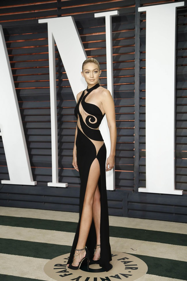 WTFSG_Gigi-Hadid-Sheer-Atelier-Versace-Dress