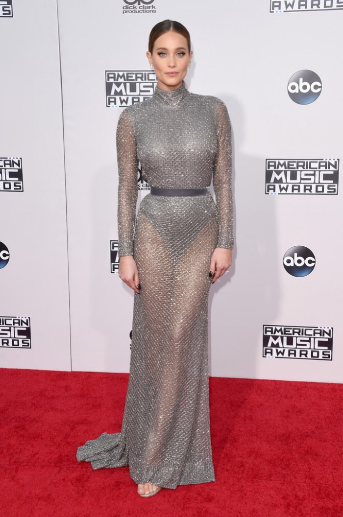 WTFSG_Hannah-Davis-2015-American-Music-Awards-Silver-Dress