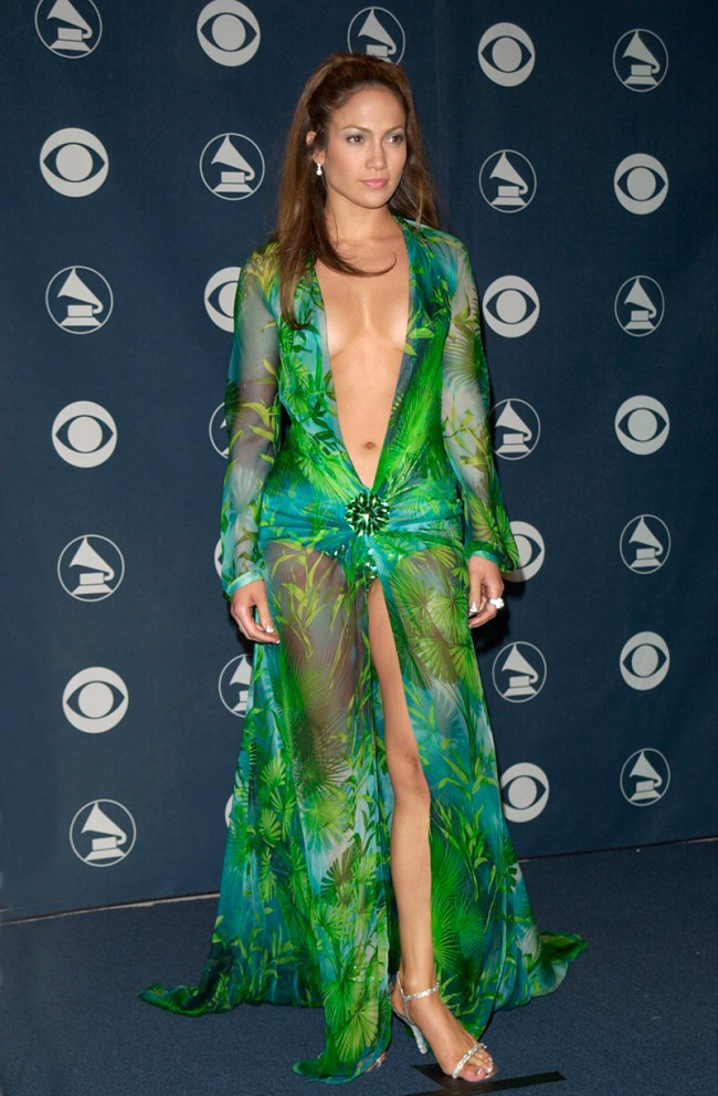 WTFSG_Jennifer-Lopez-Grammys-2000-Versace-Dress