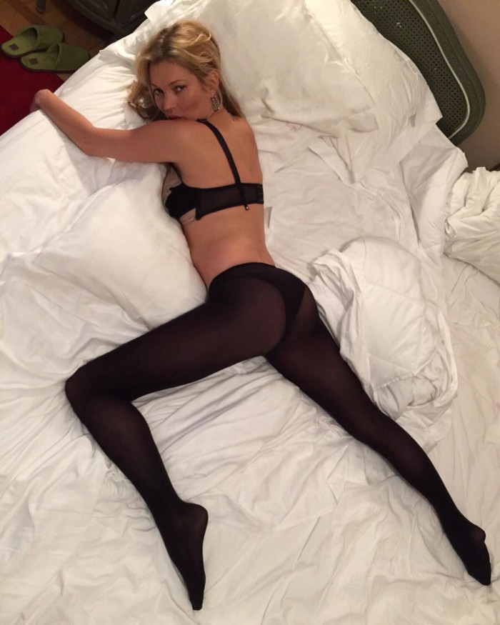 WTFSG_Kate-Moss-Sexy-Bed-Pose-Instagram