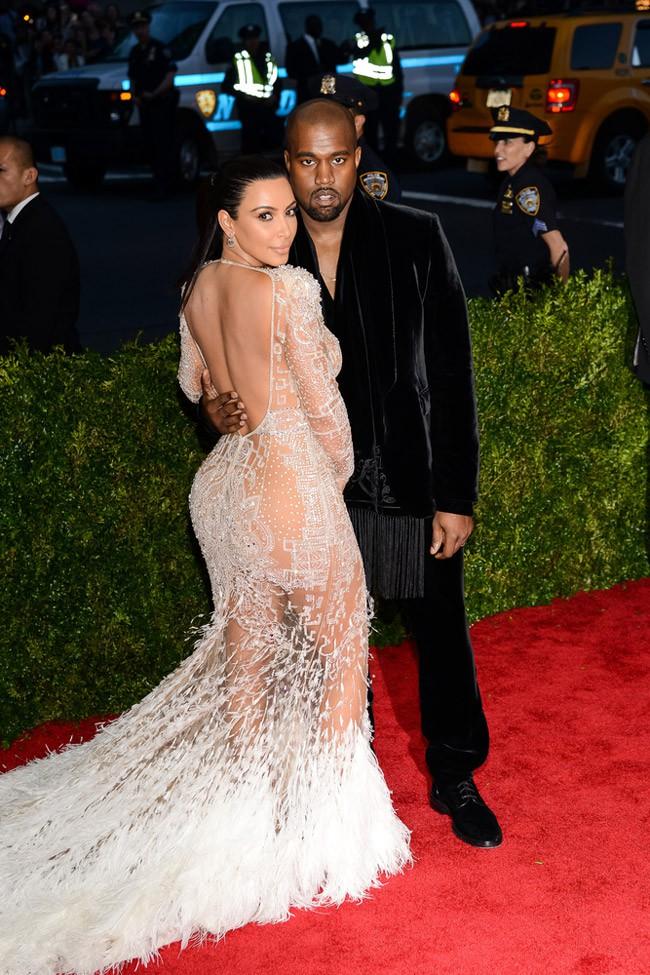 WTFSG_Kim-Kardashian-Sheer-Roberto-Cavalli-Dress-Met-Gala