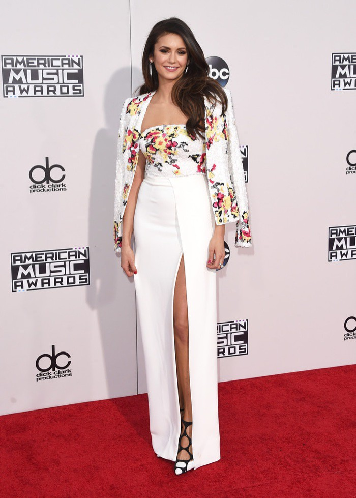 WTFSG_Nina-Dobrev-2015-American-Music-Awards-Zuhair-Murad-Dress