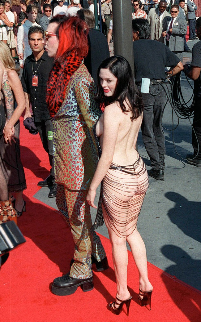 WTFSG_Rose-McGowan-Naked-Dress-1998-MTV-Music-Awards