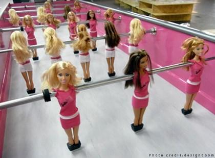 WTFSG_barbiefoot-foosball_3