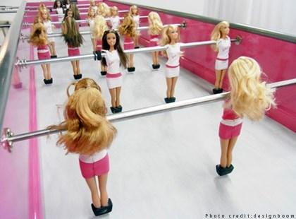 WTFSG_barbiefoot-foosball_4