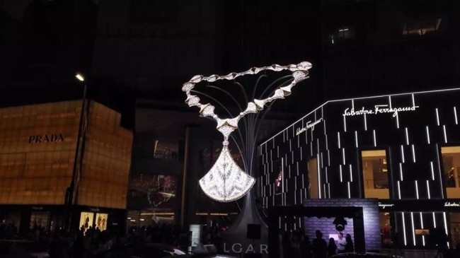 WTFSG_bulgari-holiday-light-installations_Chengdu-China