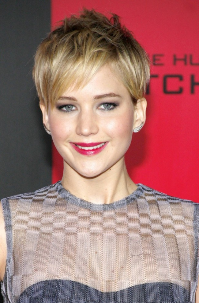 WTFSG_jennifer-lawrence-blonde-pixie-cut