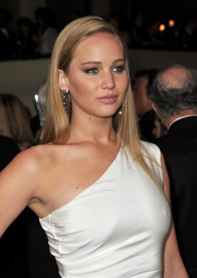 WTFSG_jennifer-lawrence-straight-hair