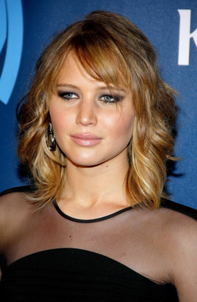 WTFSG_jennifer-lawrence-wavy-long-bob-hairstyle