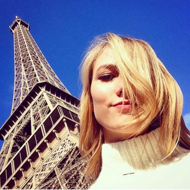 WTFSG_karlie-paris-selfie