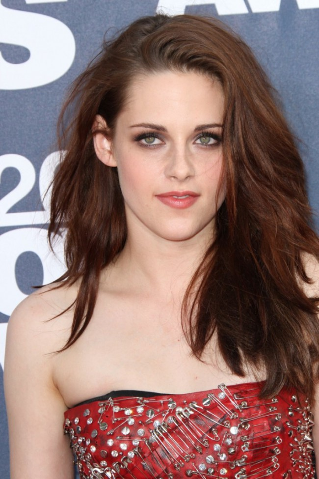 WTFSG_kristen-stewart-long-brown-hairstyle
