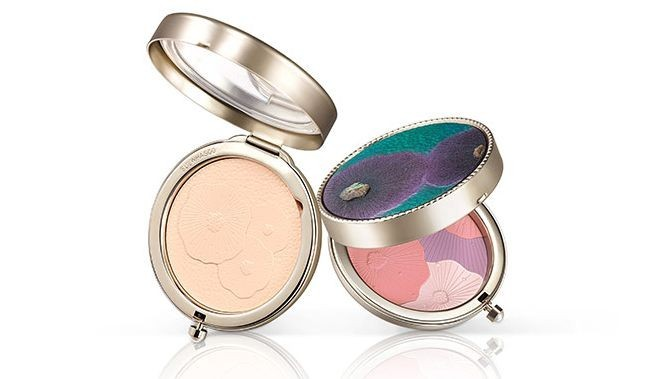 WTFSG_limited-edition-holiday-makeup_Sulwhasoo-ShineClassic-Powder-Compact