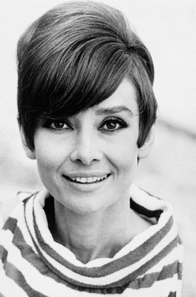 WTFSG_1960s-hairstyles-celebrities_Audrey-Hepburn