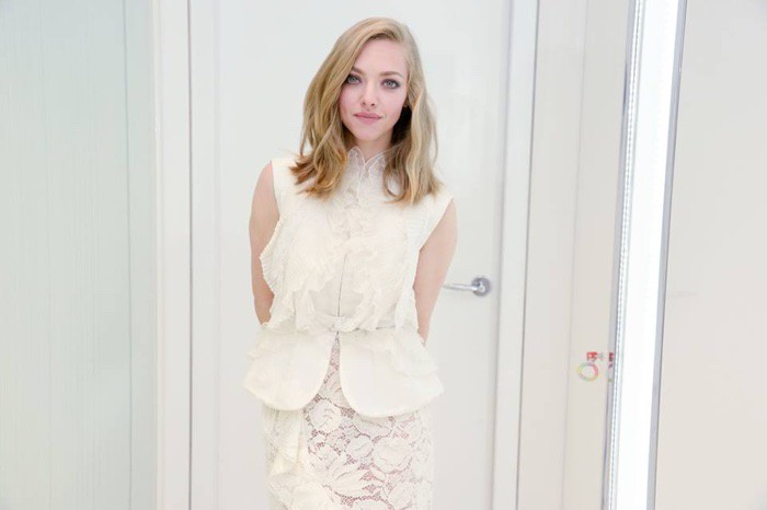 WTFSG_Amanda-Seyfried-Clea-de-Peau-Beaute-Bergdorf-Goodman-White-Lace_3
