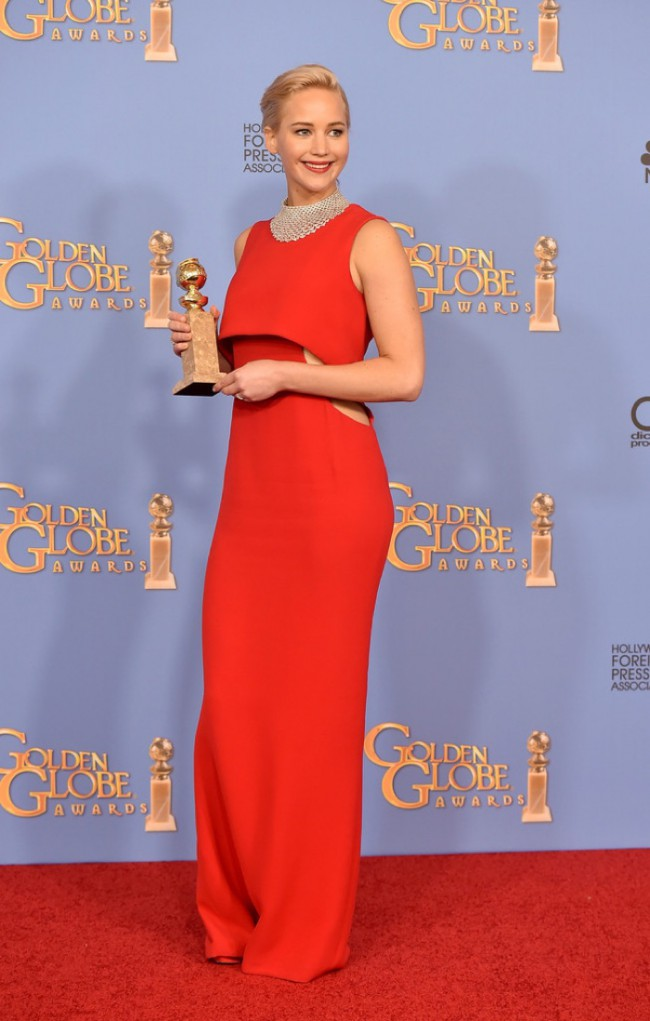 WTFSG_Jennifer-Lawrence-2016-Golden-Globes-Dior-Dress