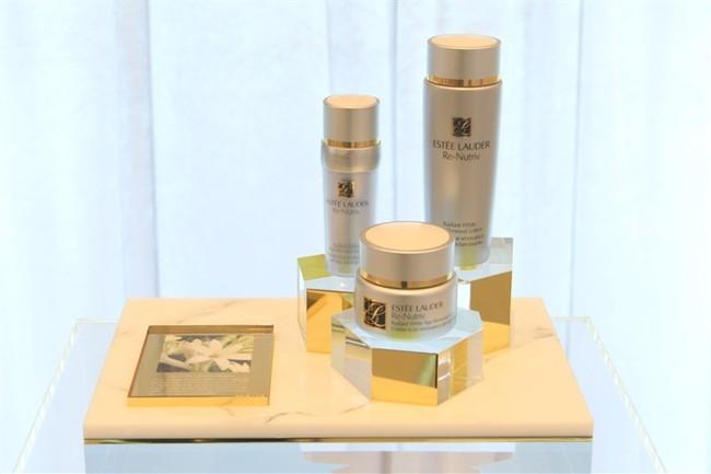 WTFSG_estee-lauder-launches-re-nutriv-raditant-white-age-renewal-in-hk_2