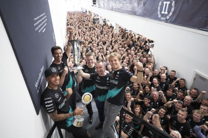 WTFSG_iwc-mercedes-amg-petronas-f1-constructors-world-championship-win_2