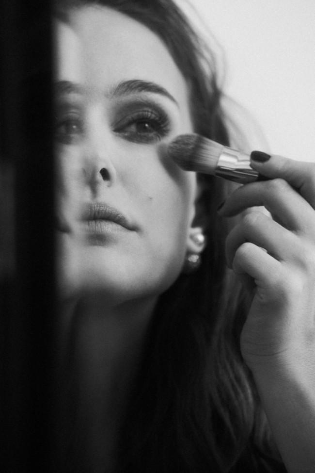 WTFSG_natalie-portman-diorskin-forever-2016-makeup-BTS_3
