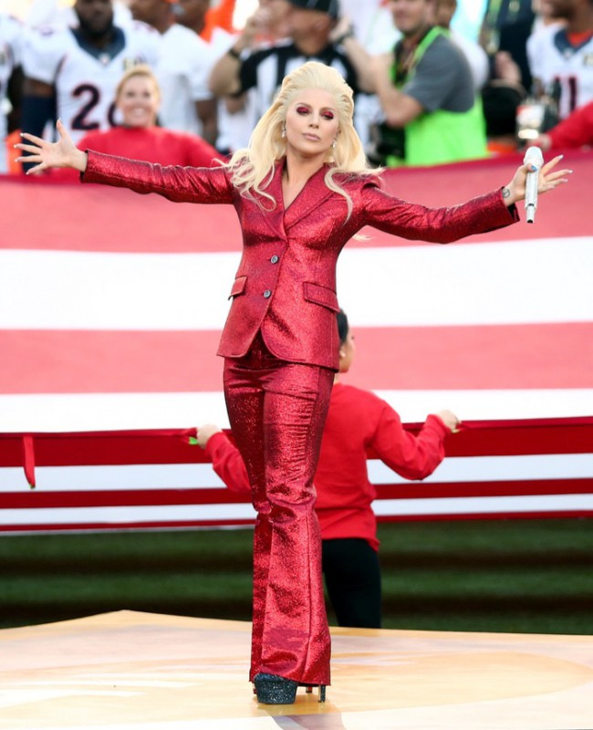 WTFSG_Lady-Gaga-Red-Gucci-Pantsuit-2016-Super-Bowl