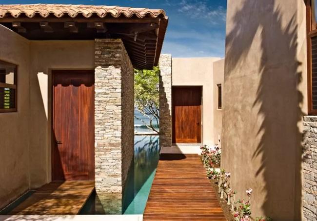 WTFSG_gwyneth-paltrow-8000-airbnb_16