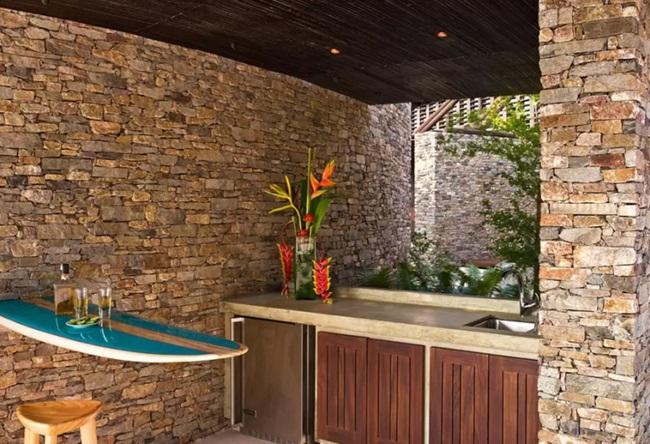 WTFSG_gwyneth-paltrow-8000-airbnb_5