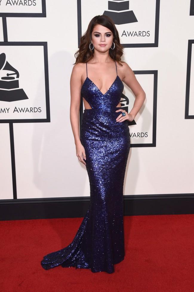 WTFSG_2016-grammy-awards-red-carpet_Selena-Gomez