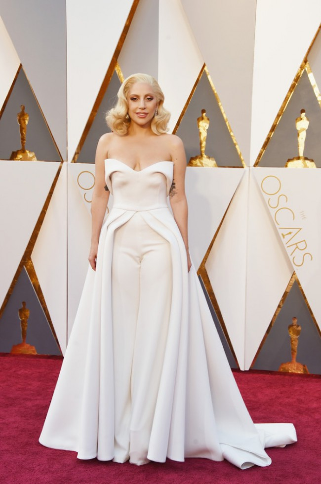 WTFSG_Lady-Gaga-2016-Oscars-Brandon-Maxwell-White-Pants