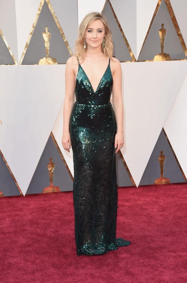 WTFSG_Saoirse-Ronan-2016-Oscars-Green-Calvin-Klein-Dress