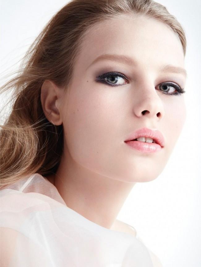 WTFSG_Sofia-Mechetner-Dior-Magazine-Spring-2016-Beauty_2