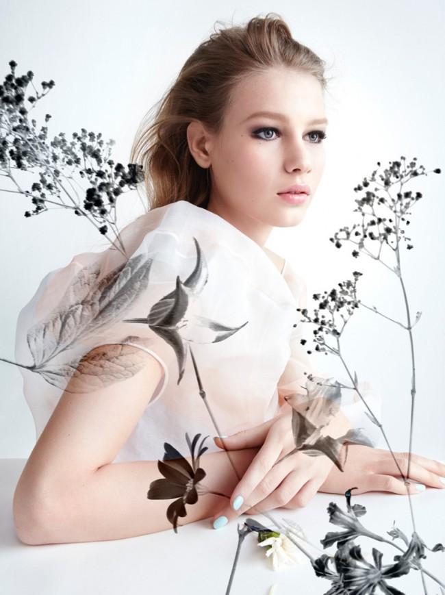 WTFSG_Sofia-Mechetner-Dior-Magazine-Spring-2016-Beauty_6